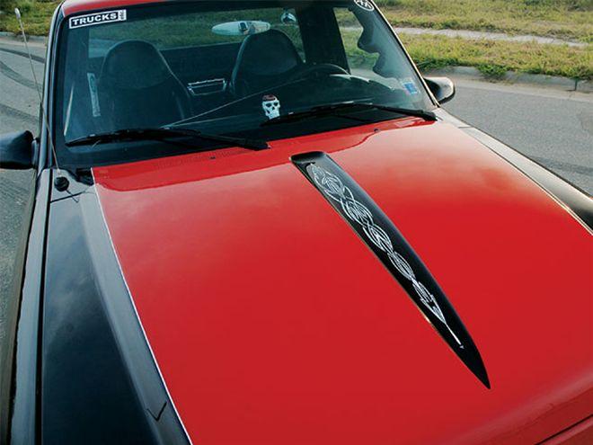 0711st_05_z+1999_ford_ranger+custom_hood.jpg