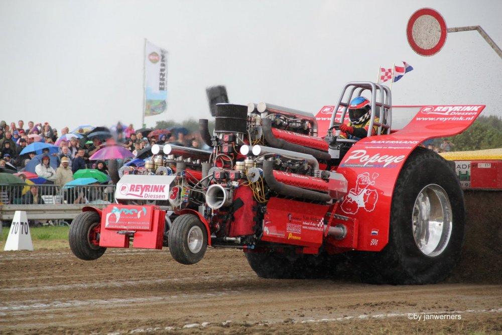 Tractor-Pulling Edewecht  am 6.+7.8.2011 700.JPG